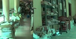 ഫയലുകൾ വരാന്തയില് തള്ളി ആലുവ താലൂക്ക് ഓഫീസ് അധികൃതർ; അനാസ്ഥ