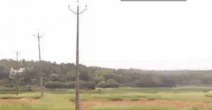 വെഞ്ചാലി പാടത്ത് പുതിയ വൈദ്യുതിപോസ്റ്റുകൾ സ്ഥാപിച്ചു