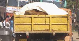ടിപ്പർ ലോറി 40 അടി താഴ്ചയിലേക്ക് മറിഞ്ഞു; ഡ്രൈവർക്ക് ഗുരുതര പരുക്ക്