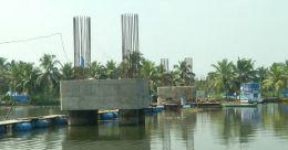 കടയ്്ക്കാവൂരില് തൂക്കൂ പാലം അപകടഭീതിയിൽ; നാട്ടുകാർ ആശങ്കയിൽ