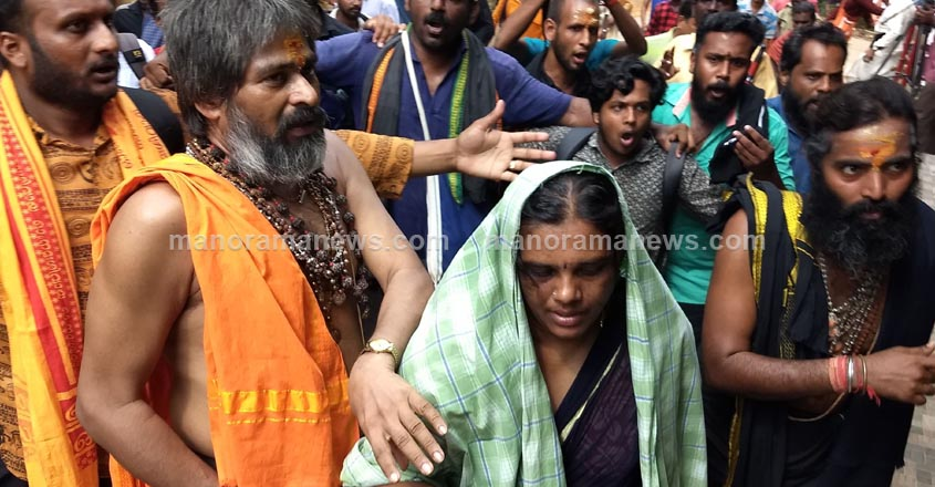 sabarimala-woman9-11