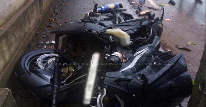 kannur-accident-2