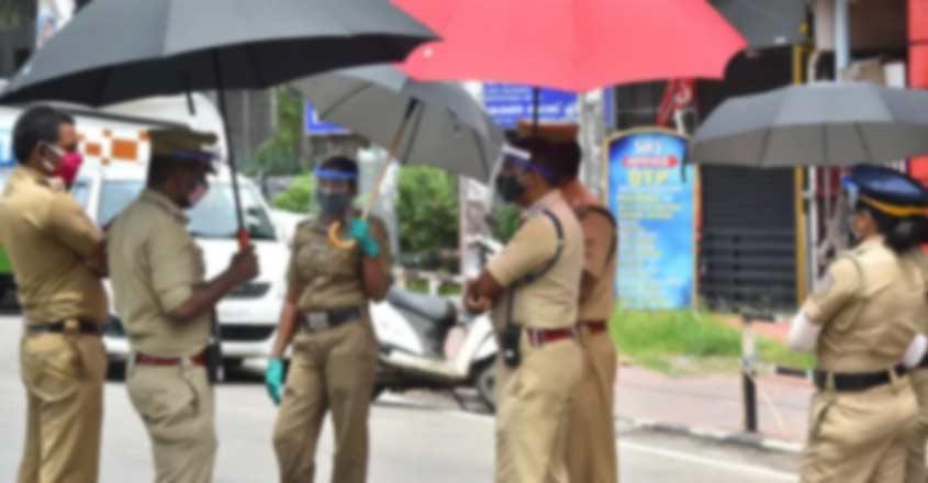 kerala-police-04