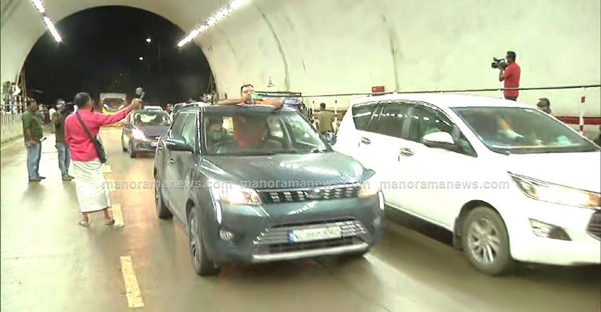 kuthiran-tunnel-2