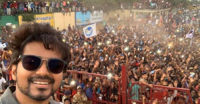 vijay-selfie-viral