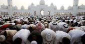 അബുദബിയിലെ ഷെയ്ഖ് സായിദ് പള്ളിയിൽ നോമ്പുതുറയ്ക്ക് എത്തുന്നത് ആയിരങ്ങൾ
