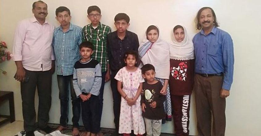 saudi-help-family-01
