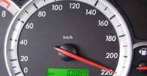 ഹൈവേയിലൂടെ കാർ 'പറന്നത്' 200 കിലോമീറ്റർ സ്പീഡിൽ; യുവാവ് അറസ്റ്റിൽ