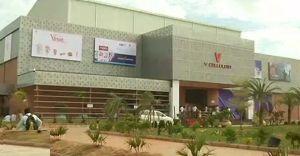 കൂറ്റൻ സിനിമ സ്ക്രീൻ ആന്ധ്രയ്ക്ക് സ്വന്തം; ആദ്യം കണ്ടത് 'സഹോ'