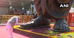 63 അടി ഉയരം; വാരാണസിയിൽ ദീൻദയാൽ ഉപാധ്യായ പ്രതിമ അനാഛാദനം ചെയ്തു