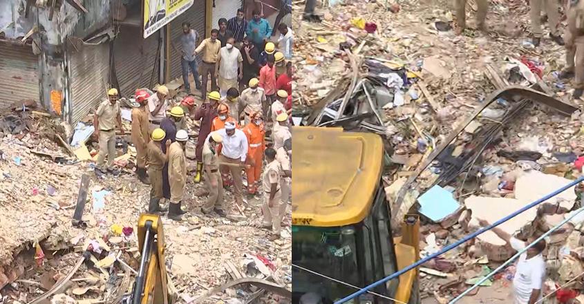 delhi-collapse