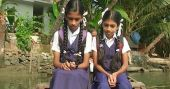 കോരപ്പുഴയിലെ അടിയൊഴുക്കുകളിൽ ഭയന്ന് ഇവരുടെ സ്കൂൾ ജീവിതം
