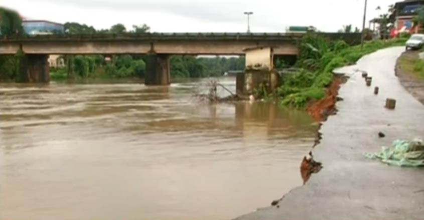 kozhikode-rain-t