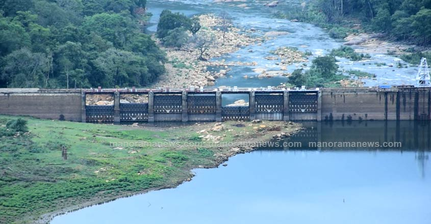 Peringalkuthu-Dam-after-flood