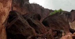 കാക്കഞ്ചേരി ദേശീയപാതയോരത്തേക്ക് കുന്നിടിഞ്ഞു വീണു; ആശങ്ക