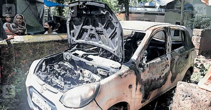 kannur-car-fired