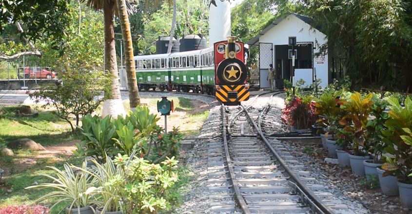 mini-train-03
