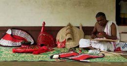 കോവിഡ് ഇല്ലാതാക്കിയ രണ്ടു കളിയാട്ട കാലങ്ങൾ; ഇനി പ്രതീക്ഷയുടെ പൊൻവെളിച്ചം