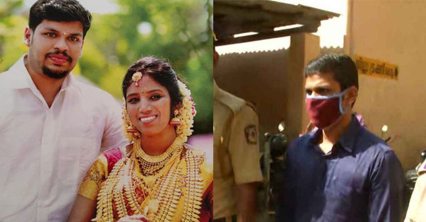 Given drugs, pressed on the snake's head and bitten;  Dummy test in court    uthra murder    crime    sooraj    manoramanews    dowry    snake bite    Kerala News    News from Kerala