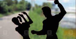 ചാനൽ മാറ്റിയതിനെ ചൊല്ലി തർക്കം; ഭാര്യയേയും മകളെയും വിറക് കൊണ്ട് അടിച്ചു