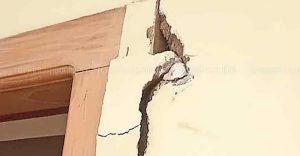 വാതിൽ കമ്പിപ്പാര ഉപയോഗിച്ച് അടിച്ച് തകർത്തു; കവർച്ചാശ്രമത്തിൽ ഭയന്ന് വീട്ടുകാർ