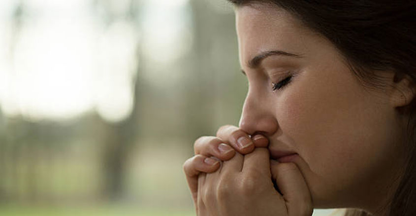 lady-crying