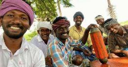 യൂട്യൂബിൽ നിന്നും മാസം പത്തുലക്ഷം രൂപ; തമിഴകത്തും പാചകത്തിലും 'പെരിയതമ്പി'മാർ