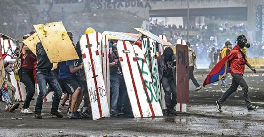 protesters-venezuela