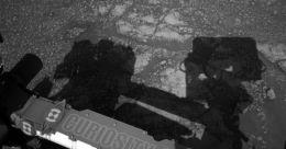 ചൊവ്വയിൽ നിന്നും വിചിത്രചിത്രങ്ങൾ അയച്ച് ക്യൂരിയോസിറ്റി; ആകാംക്ഷ