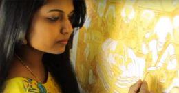 സാരികളിൽ മ്യൂറൽവസന്തം തീർത്ത് ആശാബിനോവ്