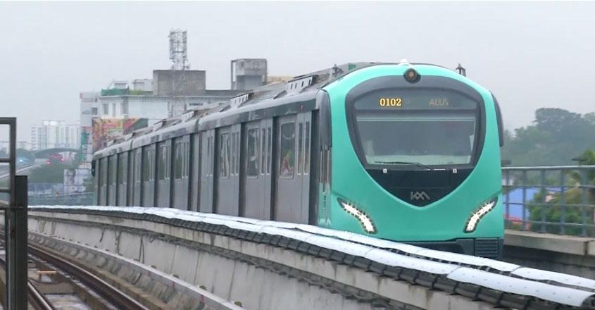 kochi-metro-maony-kilukkam