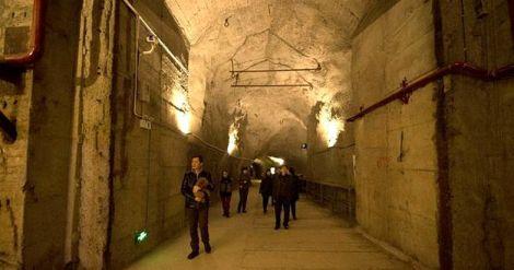 tourists-inside-bunker.jpg.image.784.411